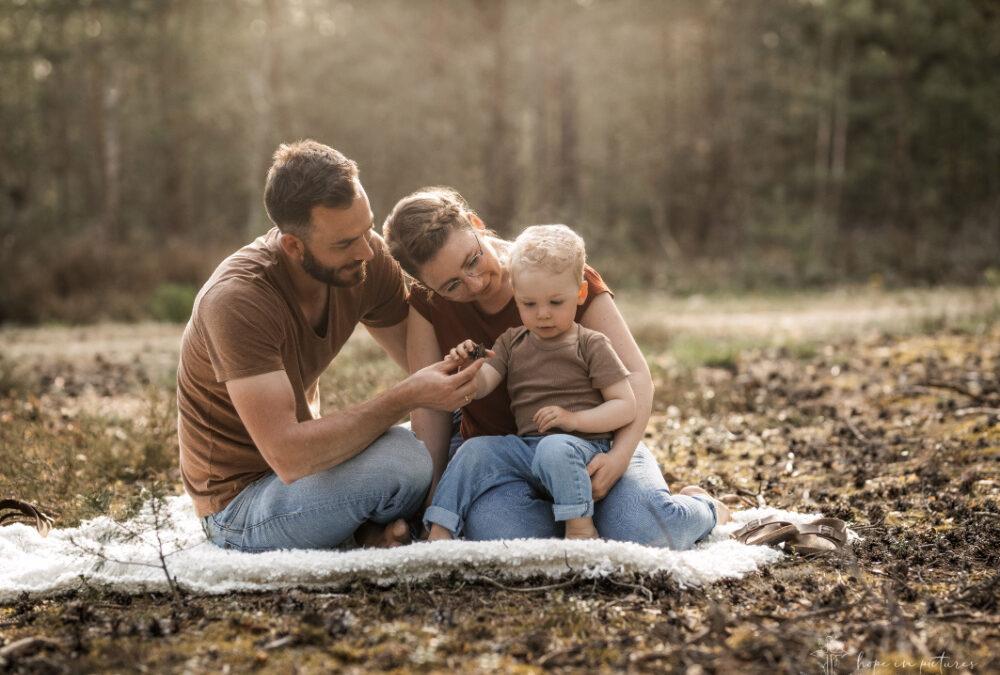 Abenteuer im Wald – Familienbilder in Weiden in der Oberpfalz
